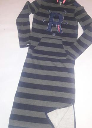 Платье-толстовка в полоску с капюшоном