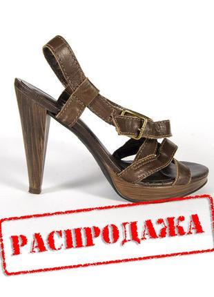 Коричневые босоножки, кажаные босоножки, босоножки на высоком каблуке1 фото