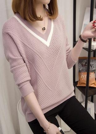 Нежно розовый свитер v образный вырез
