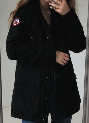 Теплая водонепроницаемая черная курточка от cubus