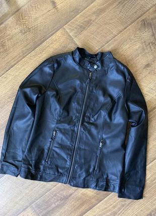 Стильная куртка из экокожи/куртка из кожзама