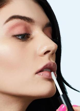Прозрачный увлажняющий блеск для губ fluide, придаёт губам объём и отбеливает улыбку