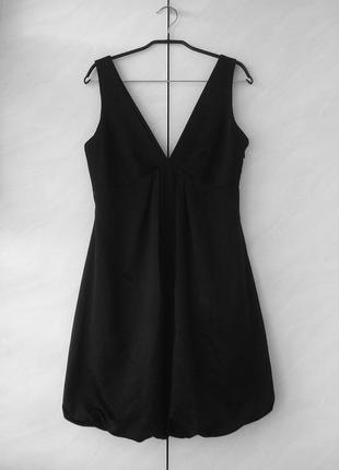 Вечернее коктейльное праздничное классическое маленькое черное платье