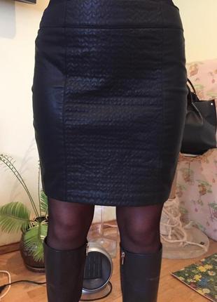 Фирменная юбка zara из эко-кожи