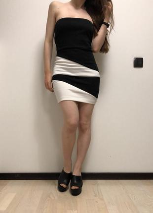 Неймовірна сукня forever21 / чорно-біла коротка геометрія / черно-белое короткое платье