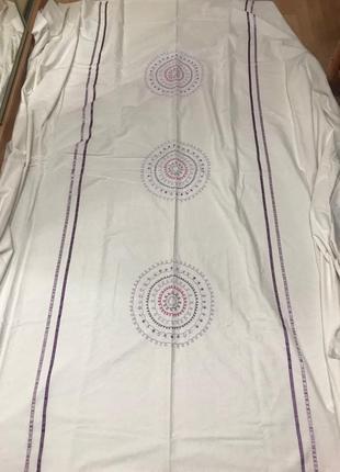 Большой пододеяльник  фирма matalan с вышивкой круги