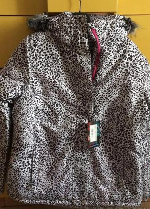 Красивая и стильная куртка ,отличного качества ,производство (польша)