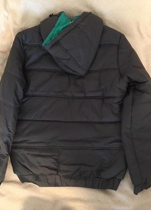 Отличная демисезонная курточка для подростков.