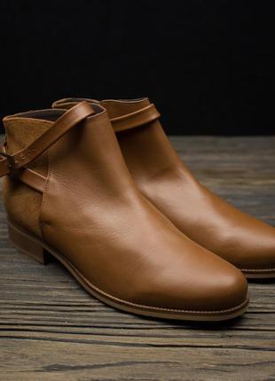 Кожаные ботинки на низком ходу andre р-39
