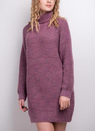 Мягкий вязаный удлиненный свитер платье свободного кроя / слива