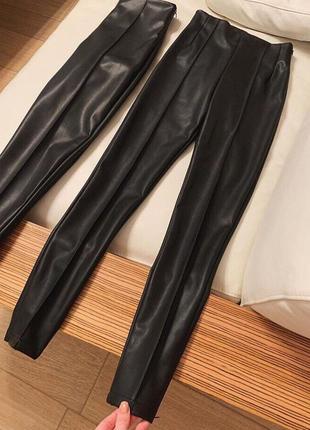 Новые чёрные кожаные матовые лосины, штаны