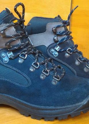 Ботинки треккинговые trezeta gore-tex р-р. 38-й (24 см)