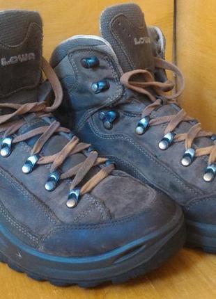 Ботинки треккинговые lowa renegade р-р. 39-й (25 см)