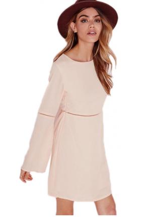 Нежное платье с длинным рукавом
