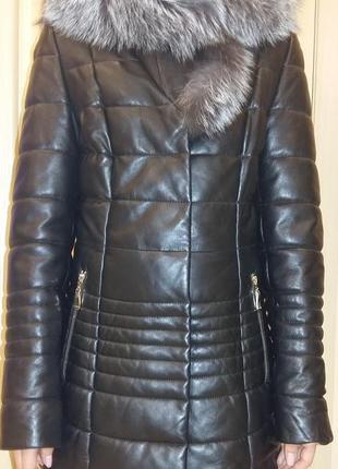 Шикарная кожаная куртка на утеплителе 42 размер