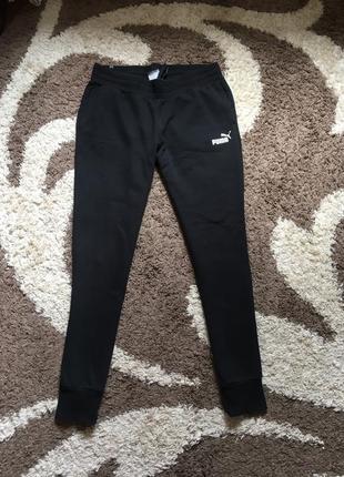 Чорні спортивні теплі штани puma