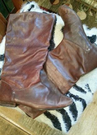 Невероятно крутые сапоги clarks с потертой кожей на носках