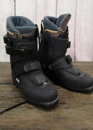 Ботинки треккинговые, горные lowa, пластик+вн носок