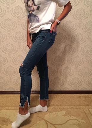 Рваные джинсы2 фото