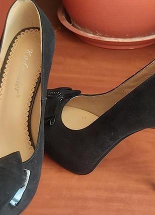 Шикарные замшевые туфли kadandier