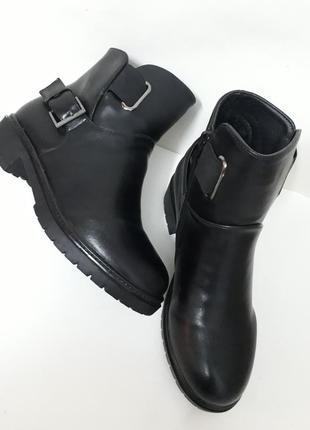 Жіночі демісезонні напівчобітки (ботинки).