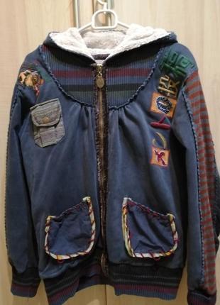Куртка со стразами ивышивкой