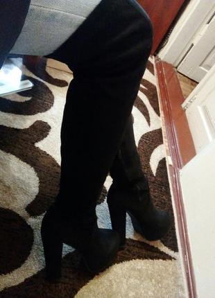 Женские ботфорты чёрные сбоку молния