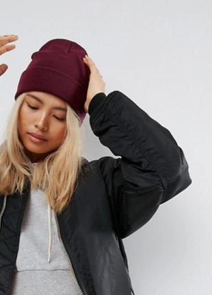 Базовая бордовая шапка с отворотом