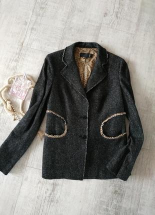 Буклированый теплый меланжевый блейзер пиджак от just cavalli italy с леопардовым принтом