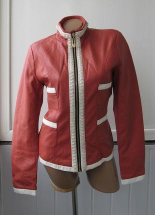 Куртка приталенная деми, камни и стразы, эко кожа, кожзам