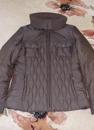 Стеганная куртка с высоким вязаным воротником, утеплена-тепленькая