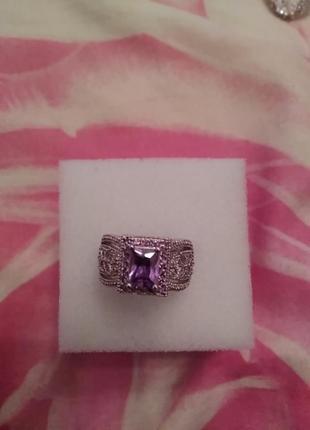 Серебряное кольцо с аметистом р.18
