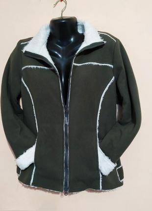 Флисовая куртка на искусственном меху.