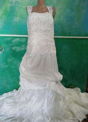 Платье свадебное со шлейфом  на высокую девушку для фотосессии большой размер