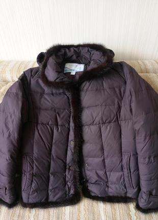 Зимняя на пуху курточка, размер m,  очень хорошем состоянии