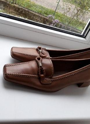 Шкіряні туфлі італія 27см