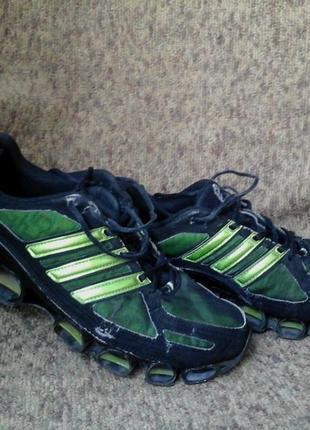 Летние беговые кроссовки.