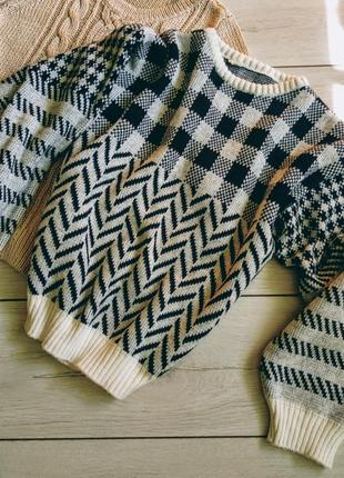 Теплющий свитер в клетку с широкими рукавами
