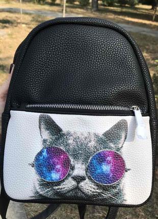 Рюкзак кот в цветных очках