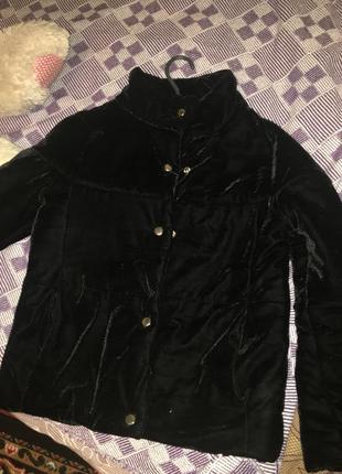 Велюрова демісезонна курточка