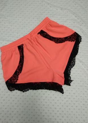 Красивые шорты неоновой расцветки с кружевом высокая посадка размера m-l