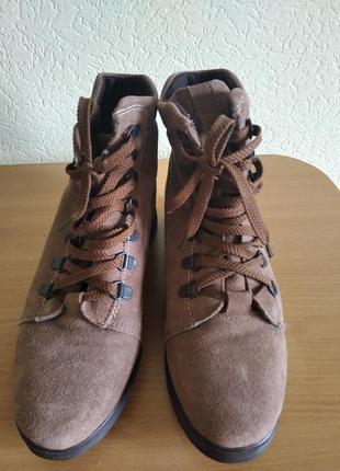 Супер ботинки из натурального замша.