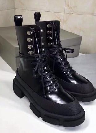 Шикарные осенние женское ботинки новой коллекции