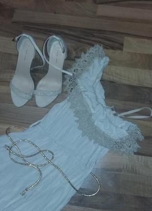 Платье легкое нежное