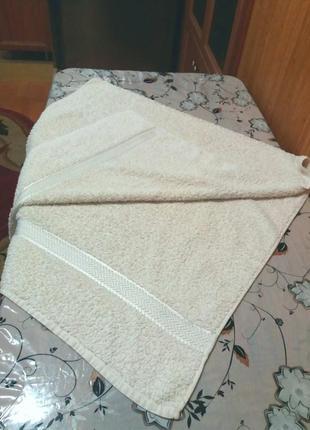 Красивое махровое банное полотенце 70 на 135см