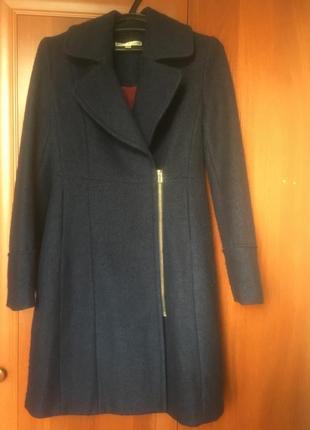 Женское пальто uttam boutique