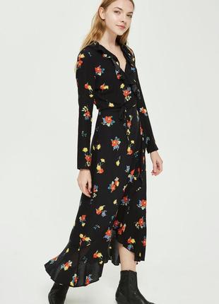 Шикарное длинное платье на запах в цветочный принт