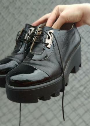 Туфли на платформе, масивные туфли, лоферы