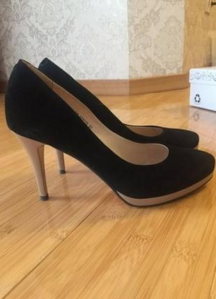 Шикарные кожаные женские туфли respect