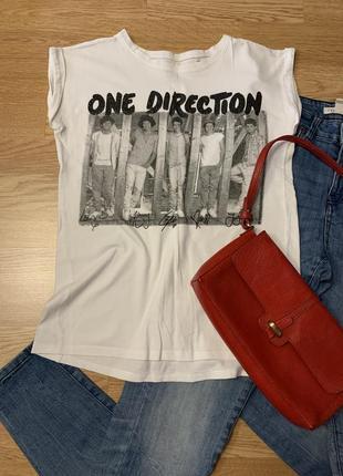 Фирменная белая футболка one direction,базовая футболочка с принтом